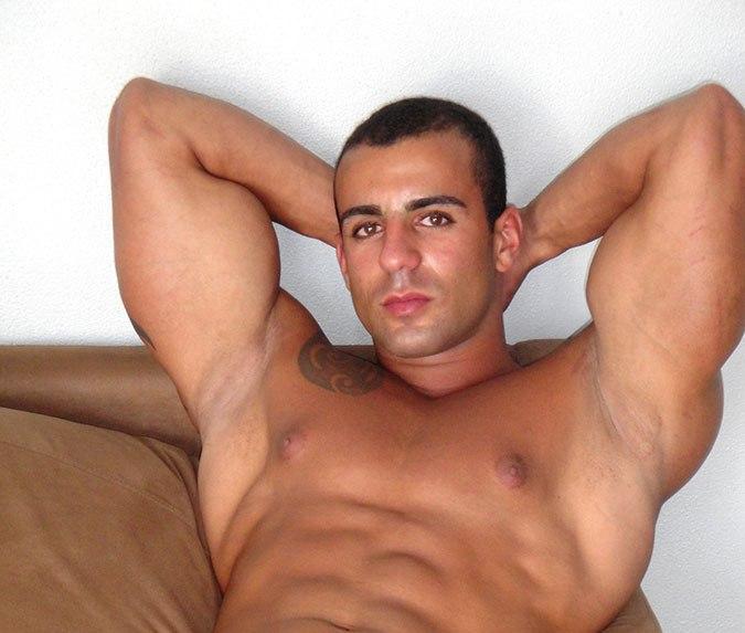 Annunci bologna escort uomini gay novara
